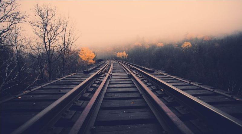 Wallpaper misty autumn railroad tracks