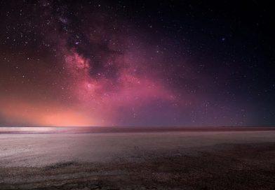Wallpaper of the Week: Night Sky Over Sasiq-Sivash Lake